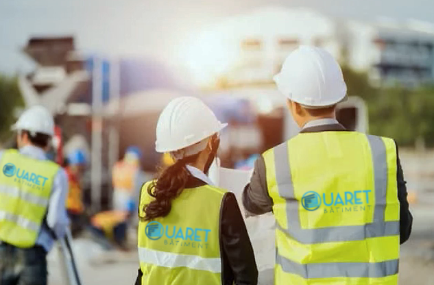 Image des salariés de l'entreprise ouaret batiment sur le chantier
